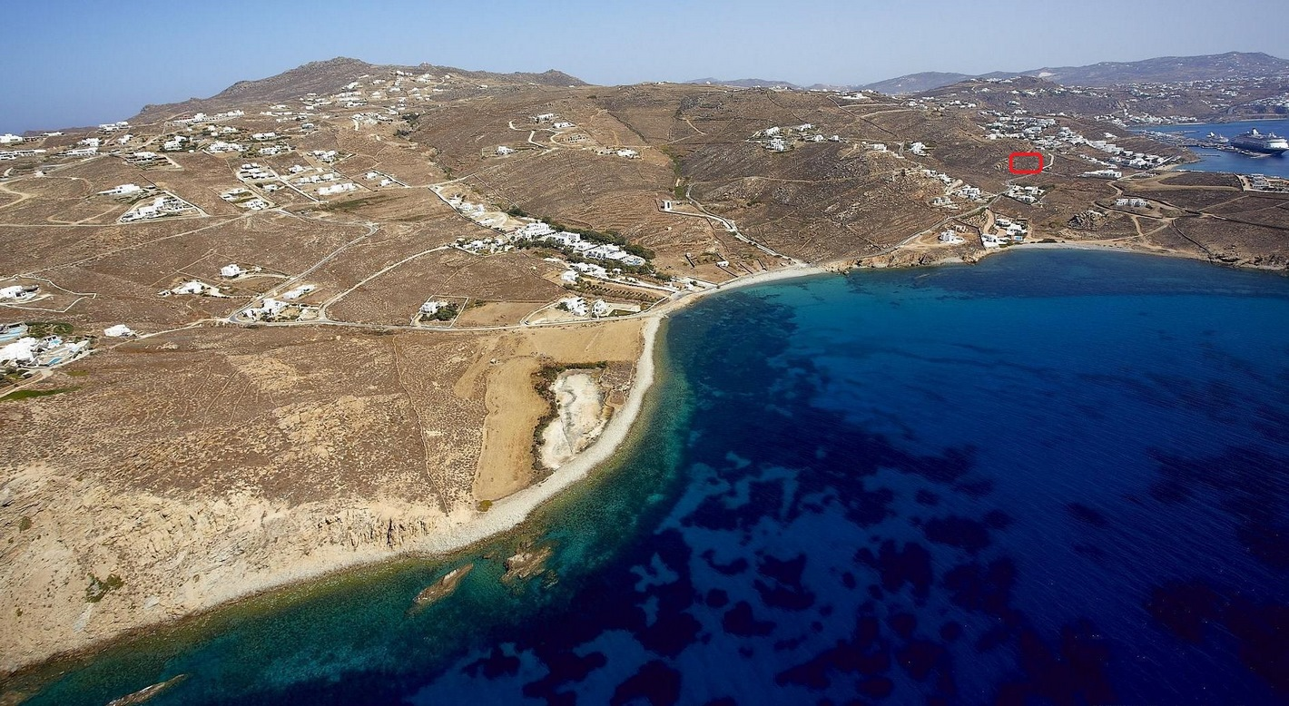 Plot in Mykonos