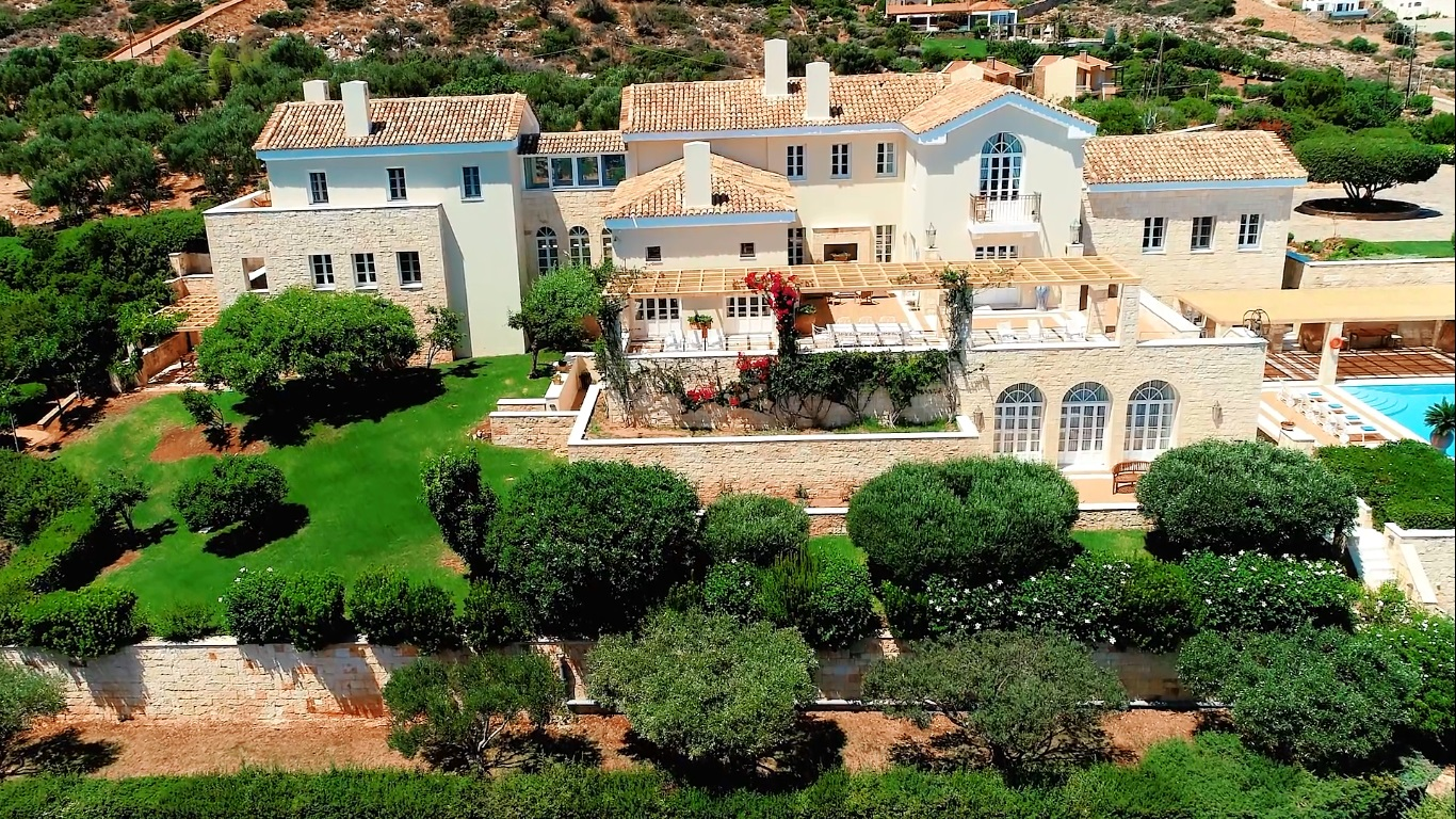 LUXURY VILLA WITH TENNIS COURT AND LANDSCAPE GARDENS ON THE ISLAND OF CRETE
