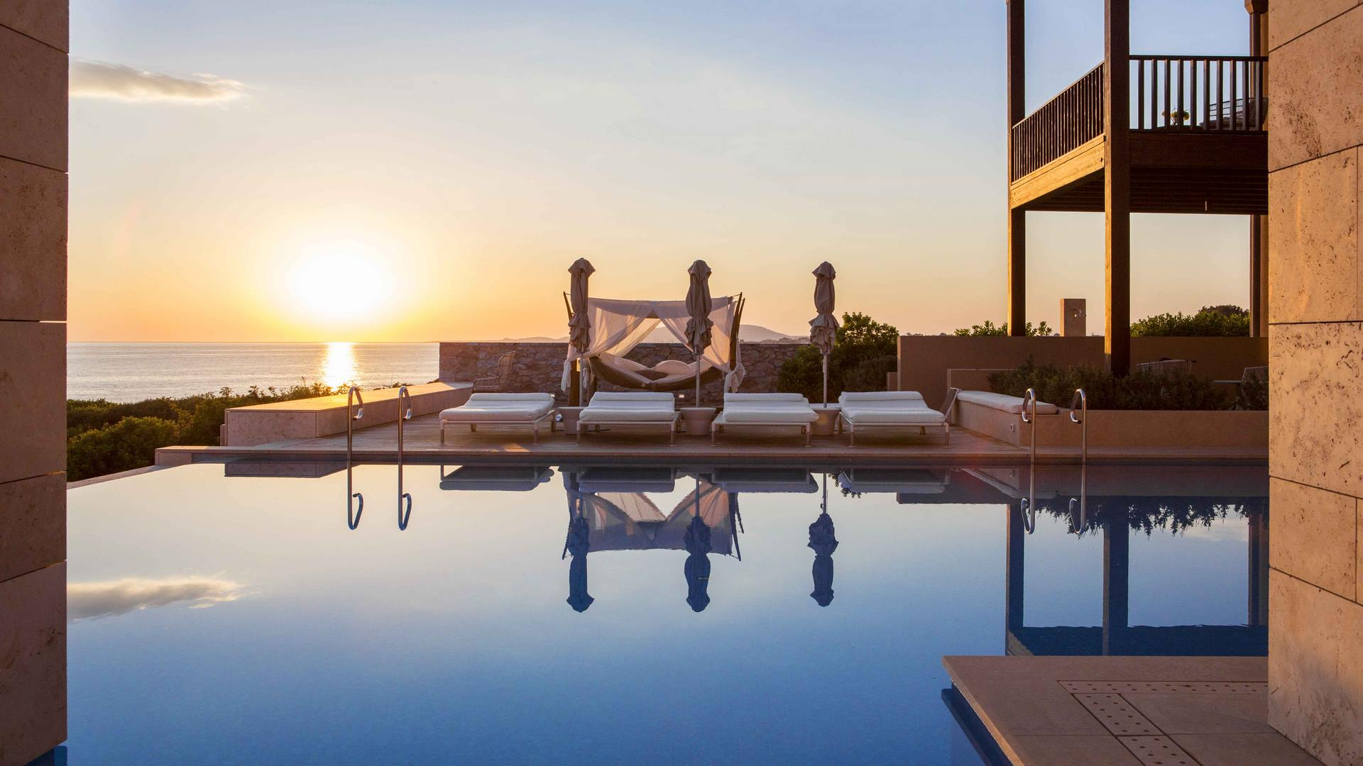 The Romanos Royal Villa Koroni Pool Sunset (Копия)