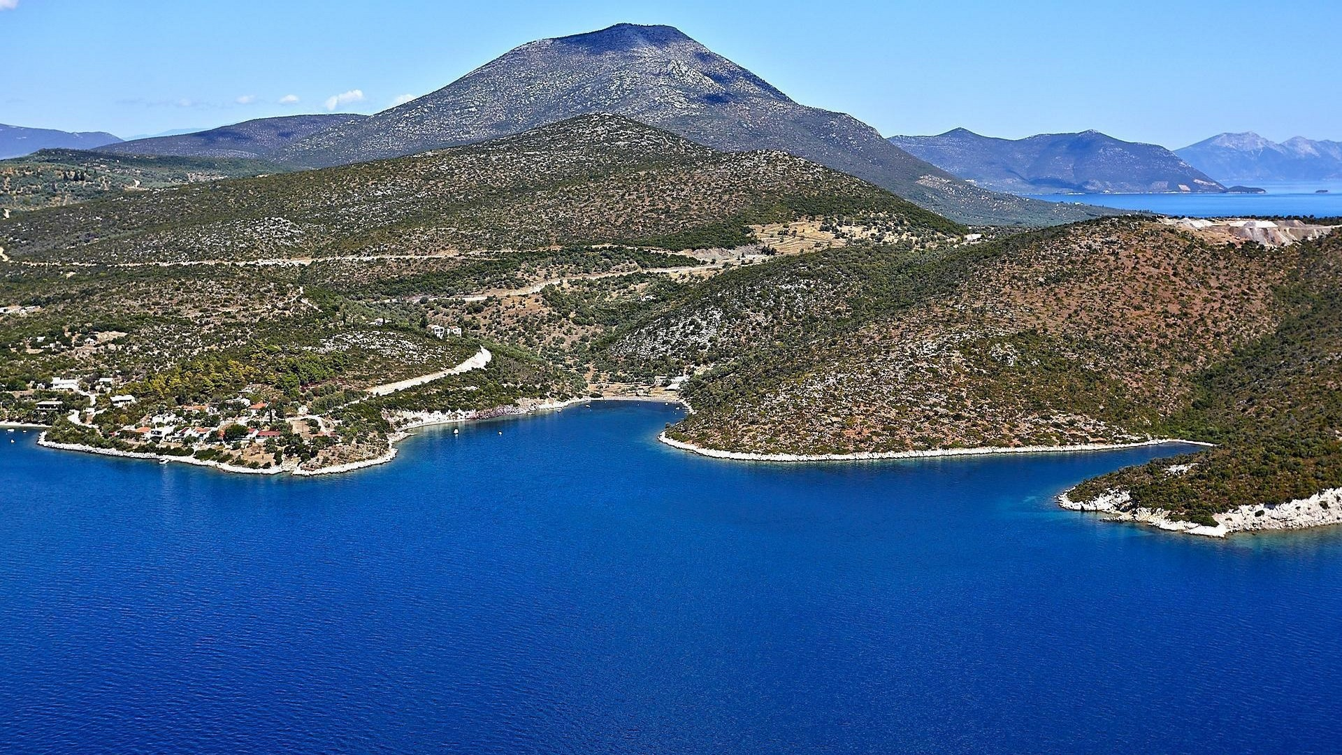 Land plot with private beach in Central Greece