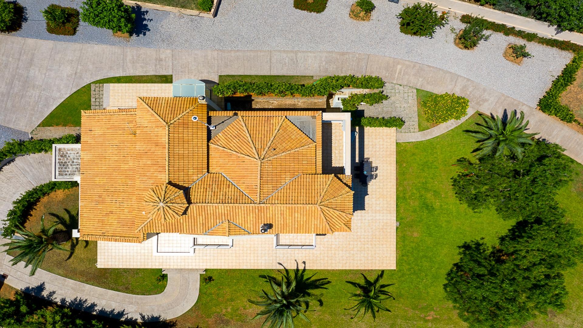 magnificent-villa-in-koropikarellas-athens (3) (Копия)